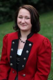 Magdalena AignerKleidungsarchivarin